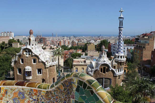 Barcelona begins the processing of the new regulation of tourist accommodation